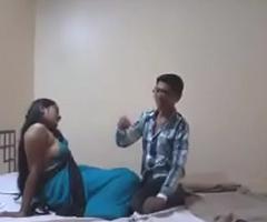Indian Desi Girlfriend Enjoy Sex with Her Old hat modern in Hotel