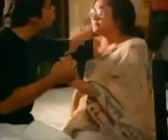 VID-20190502-PV0001-Mumbai (IM) Hindi 57 yrs old married housewife aunty-College Chemistry professor kissed by her 37 yrs old married old student sex porn video