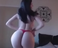 Indian beautiful woman naked dance on remain cam with big butt and big boobs