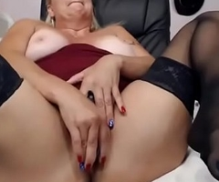 mummy lady on cam