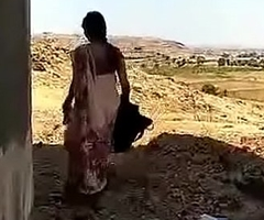 VID-20180723-PV0001-Daund (IM) Hindi 38 yrs old married housewife aunty Lalitha fucked by the brush 40 yrs old married illegal lover secretly sex porn video.