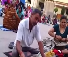 Desi aunty change clothing fro public tit resolution